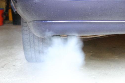 Ein Limit für den CO2-Ausstoß der Fahrzeuge je Kilometer macht Öko zur Routine. Foto: Gabi Eder, pixelio.de
