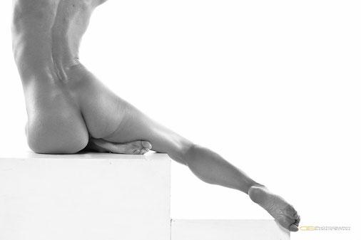 nudo donna nude woman gambe piedi legs foot hedy nerito