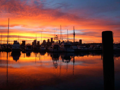 encore un beau lever du jour sur Auckland