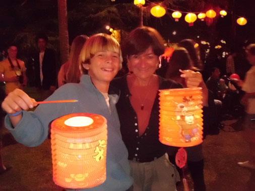 Nico & Chloé, deux allumés à la fête des lanternes