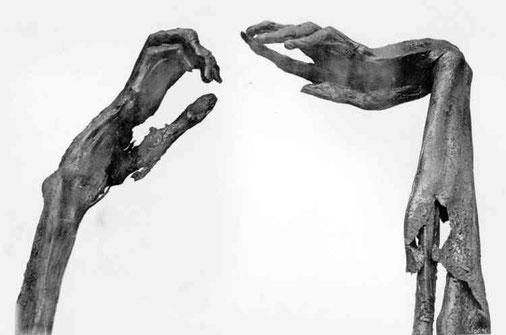 Le mani di Seqenenra Tao (foto 1.bp.blogspot.com)