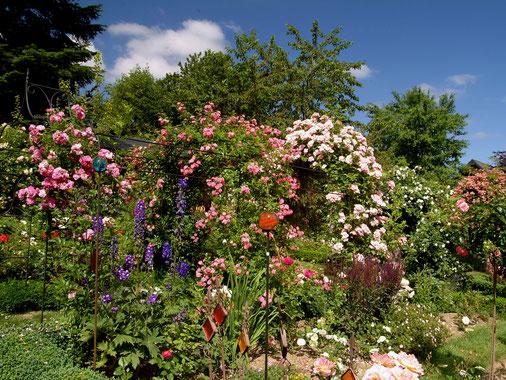 Garten Rosenbogen Heidrich - Urzelle des Rosendorfes