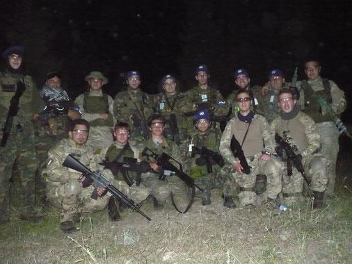 Nh e Onu insieme dopo l'attacco al campo dei verdi in notturna