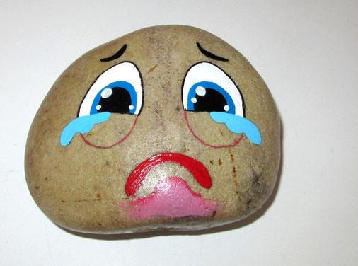 """Déco sur galet  """" Qui pleure """""""