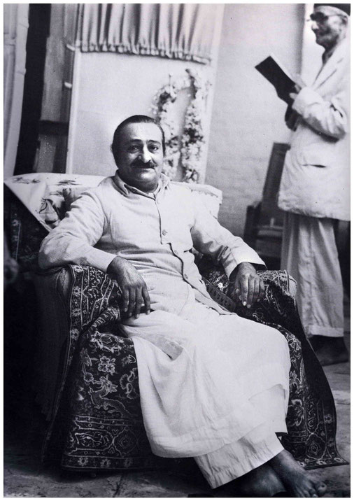 LP - Baba on the eve of the Great Seclusion at Meherazad, June 21st 1949 - Kalemamma ( background ) reading from the Bhagavad Gita.