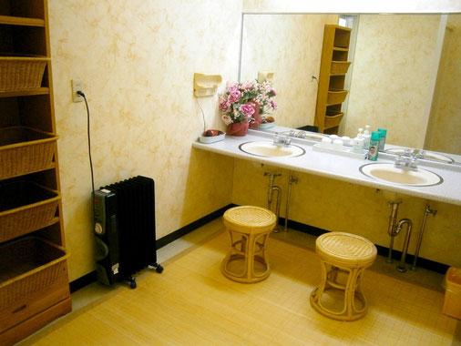 大浴場 脱衣室