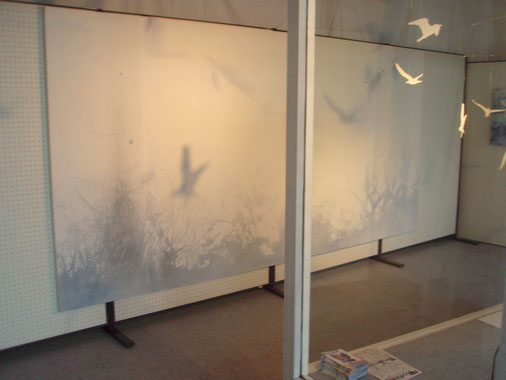 鳥モビール アクリル絵の具による風景画 インスタレーション