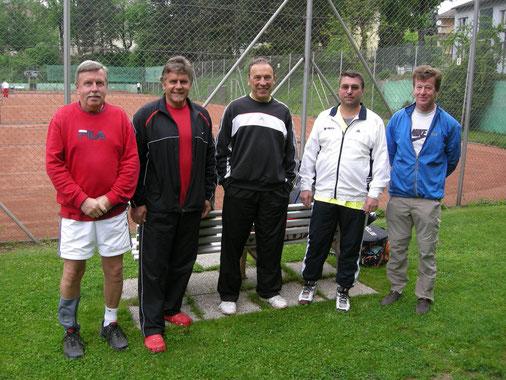 Herren 45+ I in Stockerau: Falb, Haller, Krapfenbauer, Hausdorf, Zehetner (v.l.n.r.)