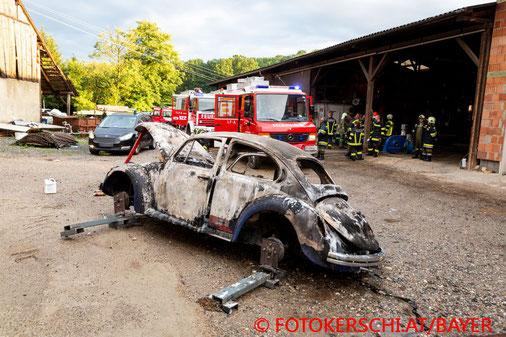 Feuerwehr, Blaulicht, Fotokerschi.at, Brand, PKW, VW Käfer, Prambachkirchen