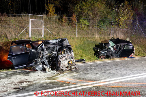 Feuerwehr; Blaulicht; Fotokerschi.at; Unfall; PKW; Steyrer Bundesstraße; Enns; B309;