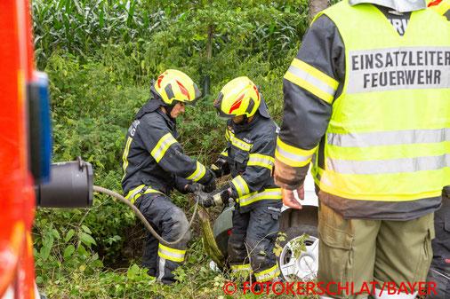 Feuerwehr, Blaulicht, Fotokerschi.at, PKW, Bach