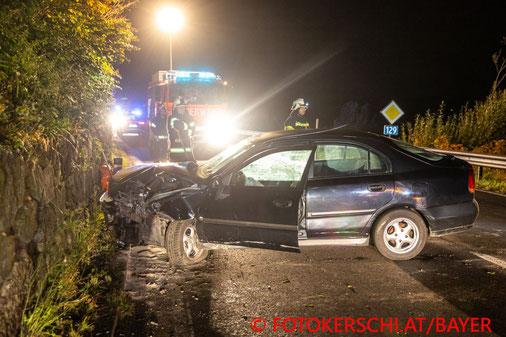 Feuerwehr; Blaulicht; Fotokerschi.at; PKW; Unfall; Polizeikontrolle; Flucht; B129;