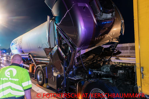Feuerwehr; Blaulicht; Fotokerschi.at; Verkehrsunfall; A25; LKW