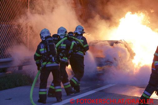 Feuerwehr, Blaulicht, Fotokerschi.at, Brand, PKW, A1, Haag
