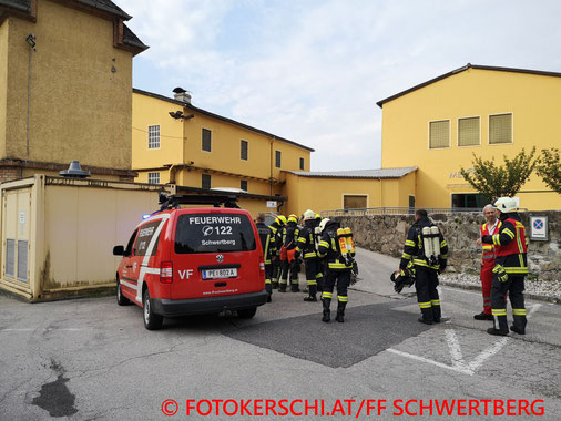Feuerwehr, Blaulicht, Fotokerschi.at, Brand, Gewerbebetrieb, Papiertrocknungsanlage, FF Schwertberg
