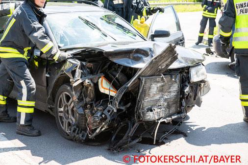 Feuerwehr, Blaulicht, Unfall, Stadtgebiet, Eferding, Fotokerschi.at