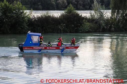 Feuerwehr; Blaulicht, Fotokerschi.at; Paragleiter; Absturz; Donau