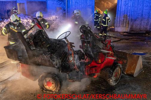 Feuerwehr, Bagger, Pferdehof, Mühlviertel, Hellmonsödt, Brand, Pferde