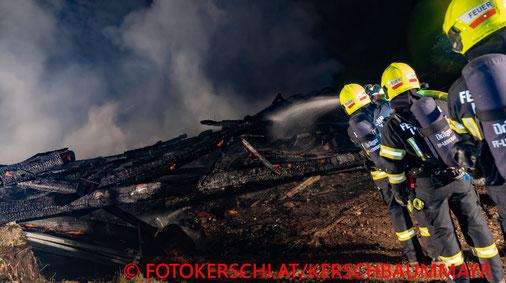 Feuerwehr; Blaulicht; Fotokerschi.at; Brand; Nebengebäude; Steinbach;