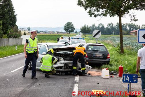 Feuerwehr, Blaulicht, Fotokerschi.at, Unfall, Frontalcrash, B129, Alkoven