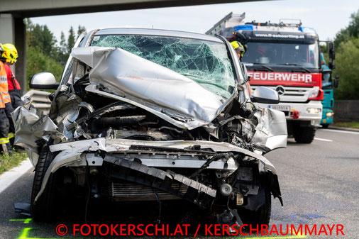 Feuerwehr, Blaulicht, Fotokerschi.at, Brand, Wirtschaftsgebäude, Schönau, Blitzschlag