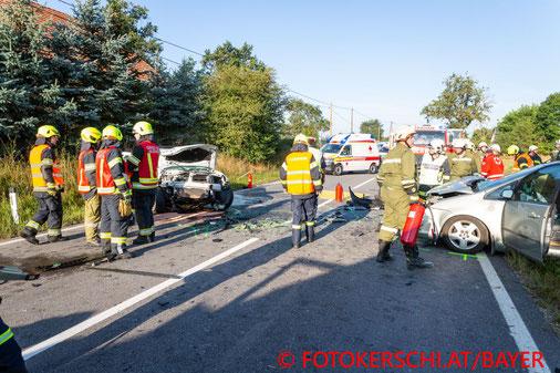 Feuerwehr, Blaulicht, Fotokerschi.at, PKW, Frontalcrash, Fraham, B129