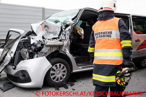 Feuerwehr, Blaulicht, Unfall, A1, Sattledt, PKW, LKW, Fotokerschi.at