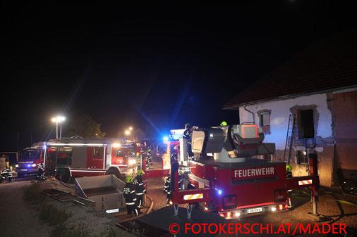 Feuerwehr, Blaulicht, Brand, Bauernhof, Fotokerschi.at