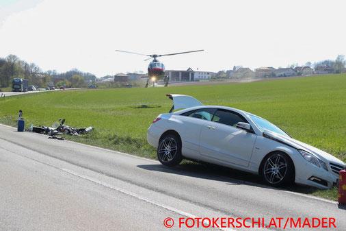 Feuerwehr, Blaulicht. Verkehrsunfall, Weichstetten, Motorrad, PKW