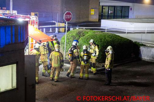Feuerwehr, Blaulicht, Fotokerschi.at, Brand, Tiefgarage, Linz