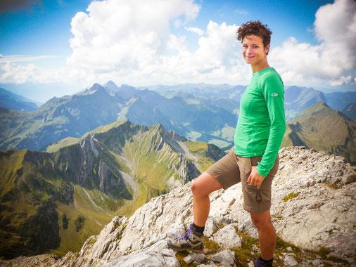 Tolle Aussicht vom Gipfel des Großen Widderstein auf 2.533m Höhe