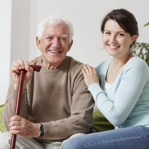 Die RUNDUM Seniorenbetreuung bietet Ihnen 24 Stunden-Betreuung durch polnische Pflegekräfte