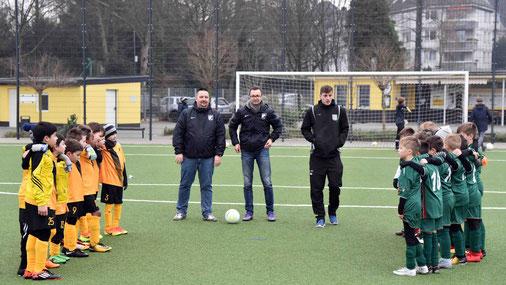 Die TuS F1 beim Freundschaftsspiel gegen Vogelheim