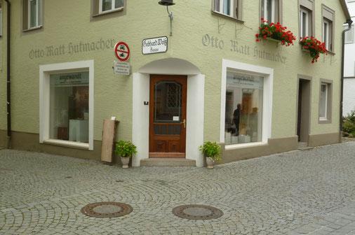 Showroom Galerie angewandt für handgemachte Pfeffermühlen und Salzstreuer aus edlen Hölzern in Bregenz
