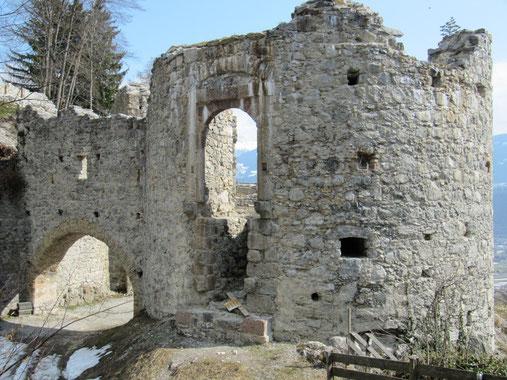 Burg ruine Thaur