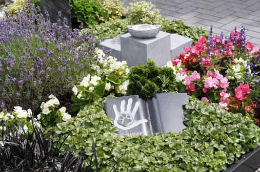 »Unser Hafen« in Essen: Friedhof gemeinsam für Mensch und Tier