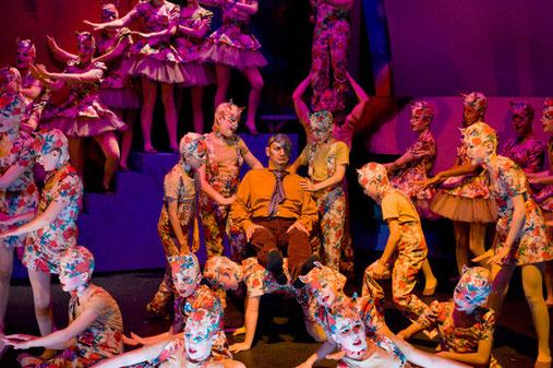 Douce et Barbe Bleue I. Aboulker Maîtrise de l'Opéra B. Ohanian mise en scène J.R. Vesperini Tng 2011