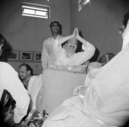 Poona Centre : Dr.Harry Kilmore ( seated ) Eruch Jessawala ( standing ) & the Maharani of Baroda ( far right ). Courtesy of the Sriramamoorthy Collection @ AMBCCPT, INDIA