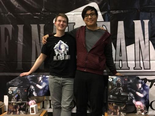 Die Sieger mit Ihren Preisen. Links: Christopher Jung, Rechts: Viet Duc Pham