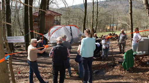 Probeliegen am Tag der offenen Tür (08.04.18), Bild: Baumzelt Solling