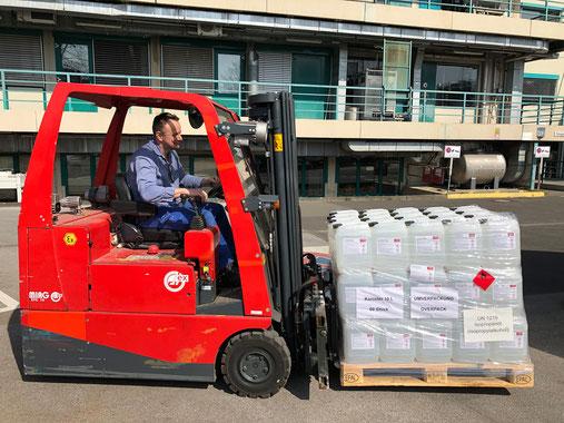 BASF hat in kurzer Zeit Produktionsapazitäten für Handdesinfektionsmittel geschaffen und kann weltweit mit den erworbenen Rohstoffen bis zu 1 Million Liter produzieren. Foto: BASF SE