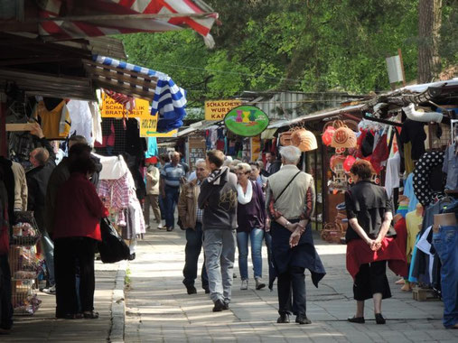 der sich kilometerweit hinziehende Markt in Swinemünde