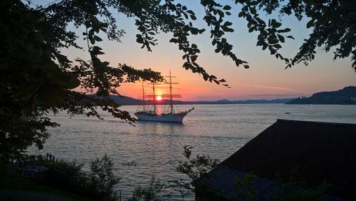 Sonnenuntergang an der norwegischen Küste