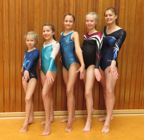 Das Foto zeigt die erfolgreichen Turnerinnen von links Mathea Schoppe, Kira Fabienne Becker, Henja Laue, Enna Schoppe und Johanne Ubben