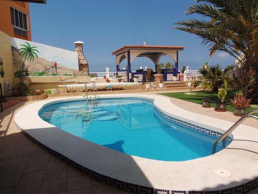 Pool der privaten Wohnanlage im Süden von Teneriffa für Ferienvermietung