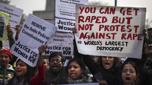 Protester mod voldtægt i Delhi