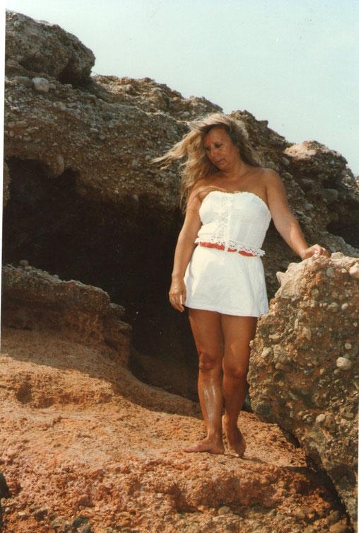 La cueva. F. Pedro.