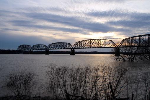 Eisenbahnbrücke über den Ohio River