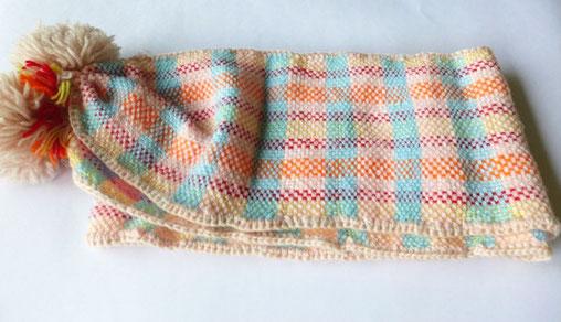 モンテッソーリ教育を取り入れた幼稚園に通っていた娘が卒園の記念に毛糸を編んで作ったマフラー