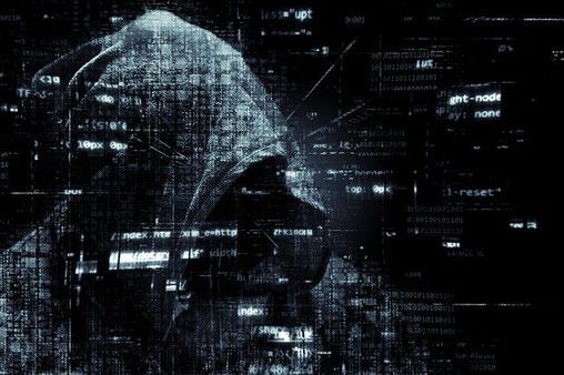 Eine Cyberversicherung schützt dich und dein Unternehmen vor der stetig wachsenden Gefahr von Cyberangriffen.